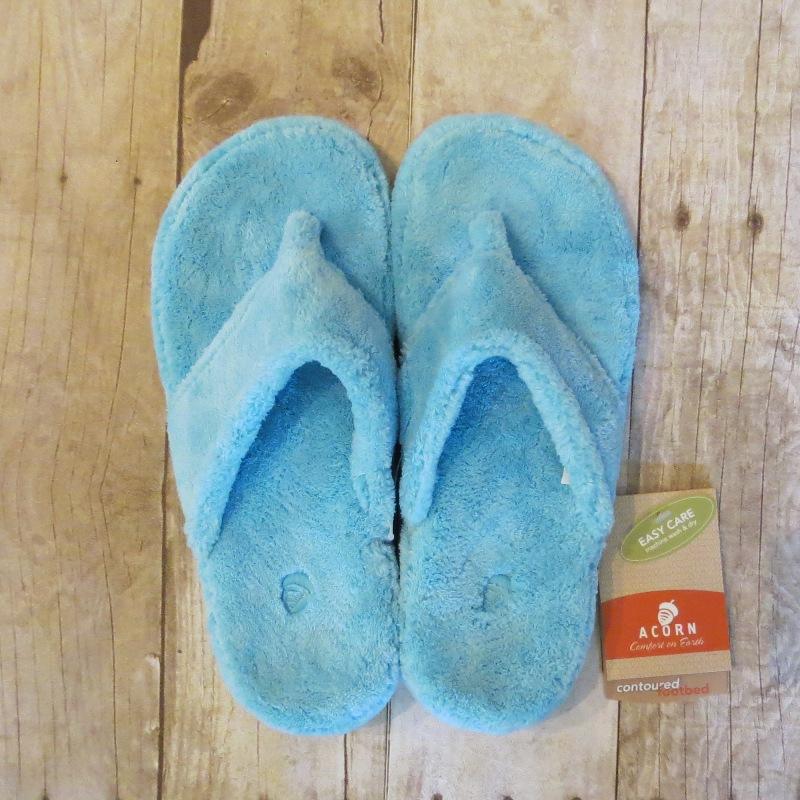 Acorn Turquoise Thong Slipper 5-6 - Stonebriar Spa Frisco, TX